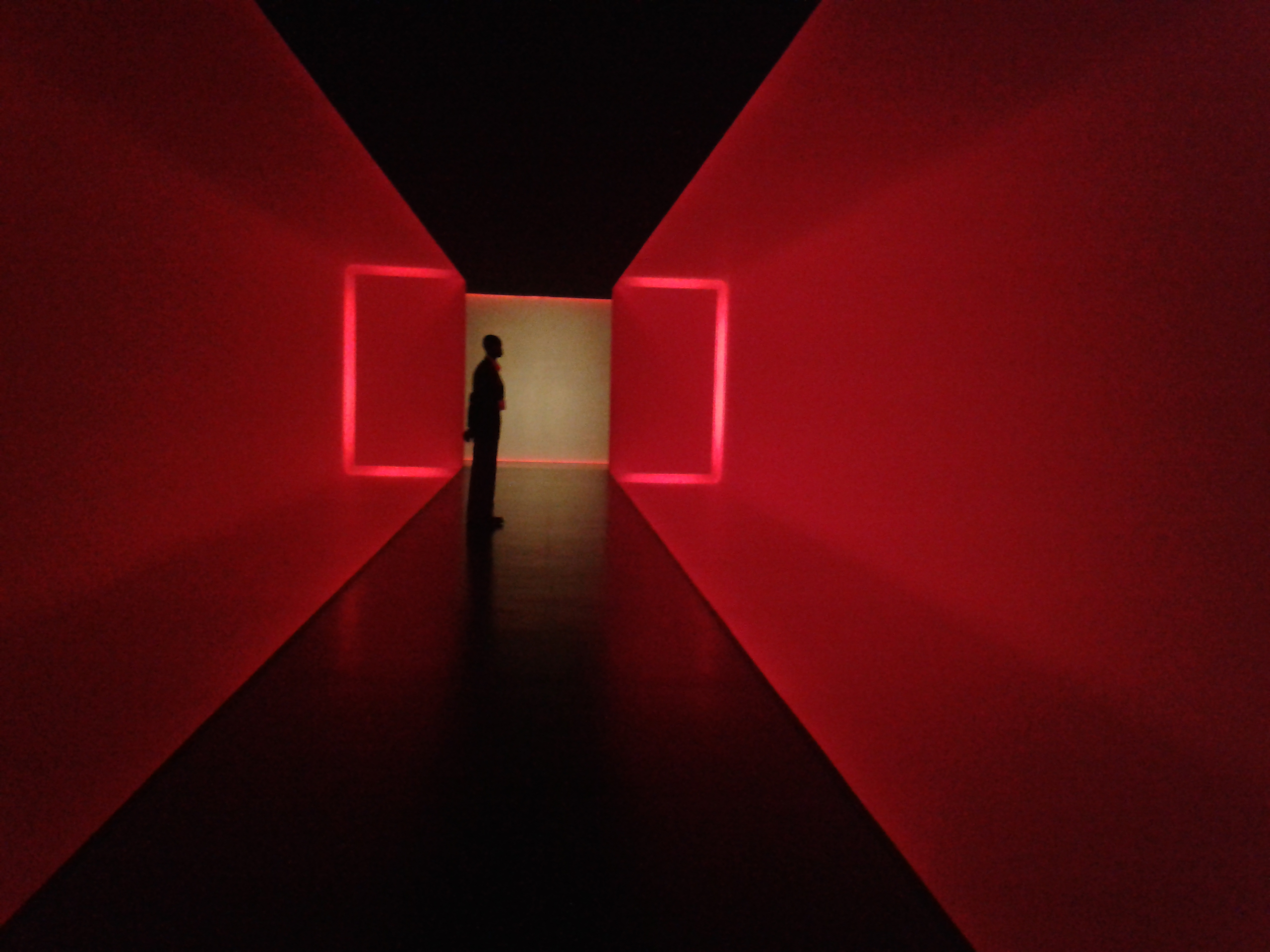 Turrell's The Light Inside at The Museum of Fine Arts, Houston (CC-BY 4.0 International, Beck Pitt)